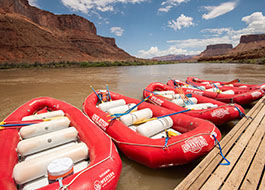 Moab River Rafting Lunch Red Cliffs Dock Mid Full 26