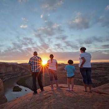 Moab Hummer Tours Rim Sunset