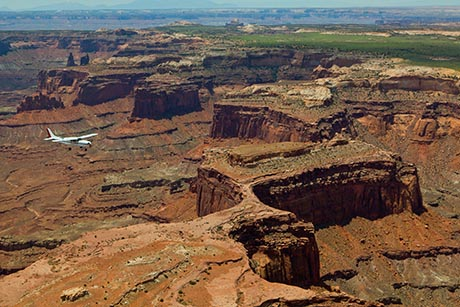 Cataract Canyon Canyonlands Flight